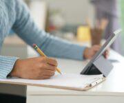 Carreras en línea universidad Montrer